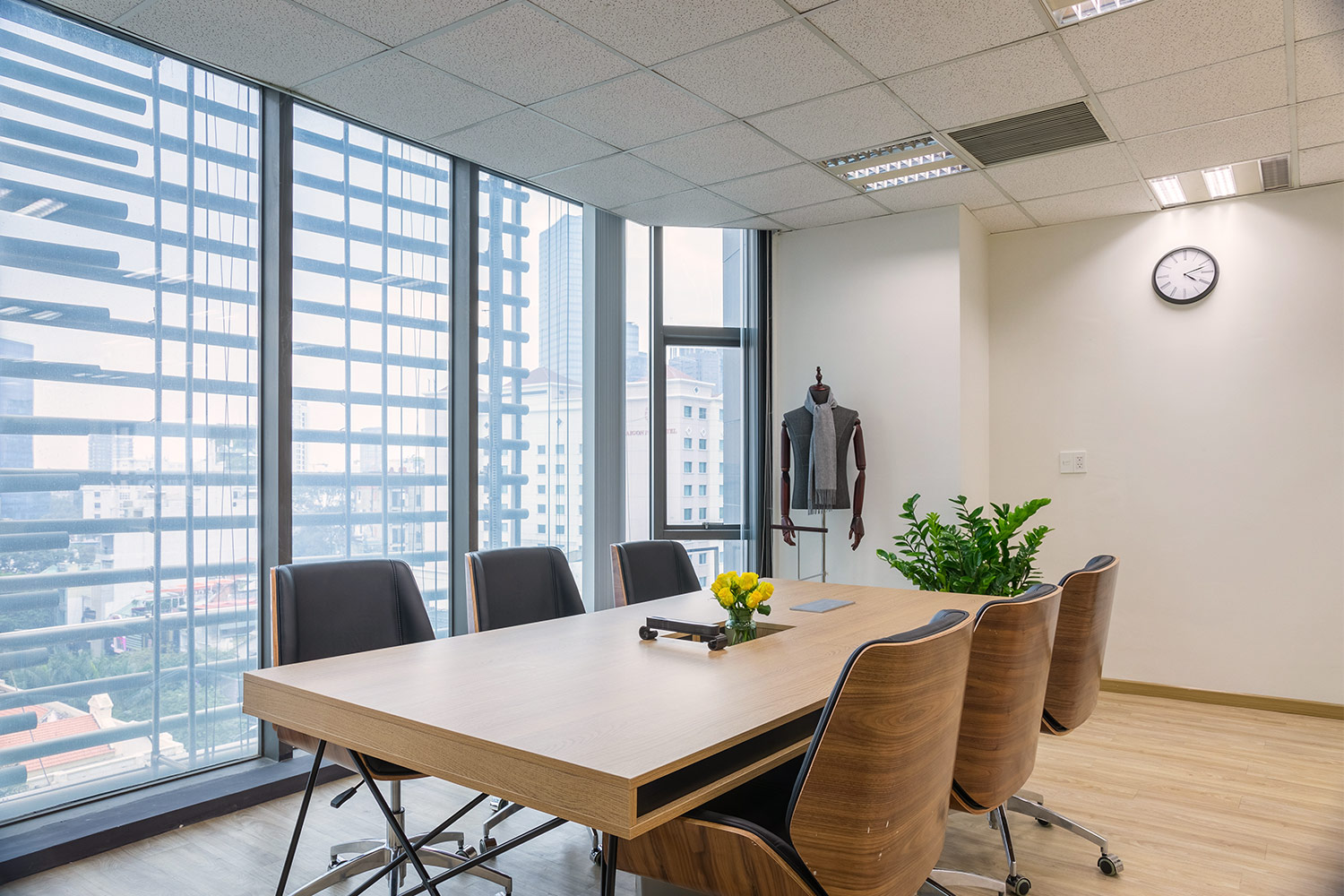 office meeting room with the view of Nguyen Hue Street, District 1 Ho Chi Minh City